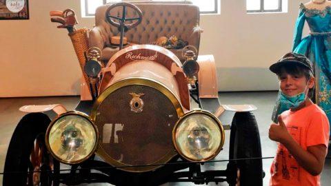 Museo del automóvil con niños